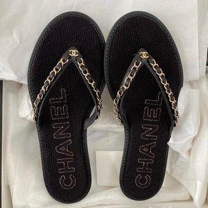 CHANEL 20S Denim Thong Flip Flops w/chain-size 38